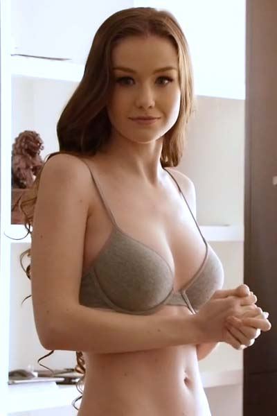 Model Emily Bloom in Sweet Dream