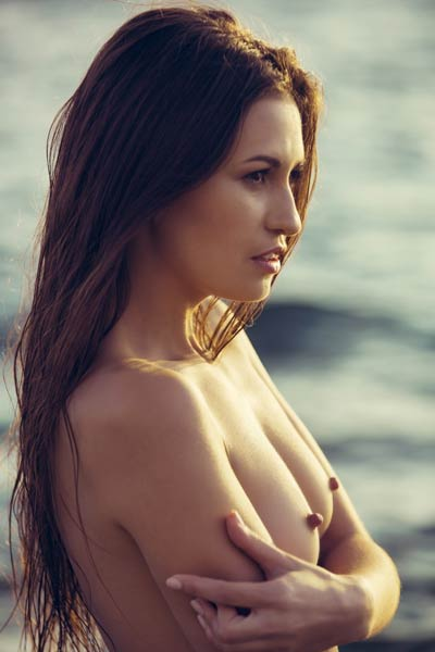 Model Demi Fray in Rocky Shores