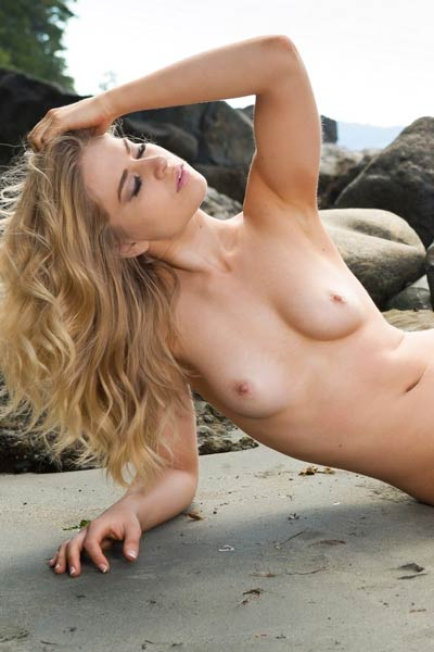 Model Maya Rae in Sandy Days