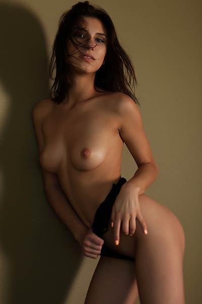 Model Rise in Undressing Room