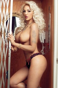 Model Alexandra Harra in Playboy Romania