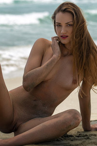 Model Nicole Fox in Sandy Shores