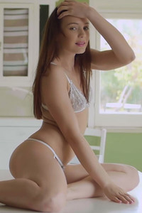 Model Janeth Tense in Delightful Daybreak